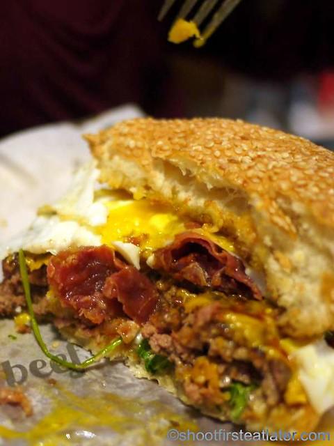 hangover burger P370-001