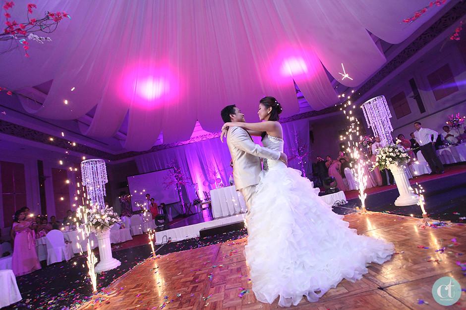 Contemporary Cebu Wedding Photographer, Cebu Grand Con Wedding