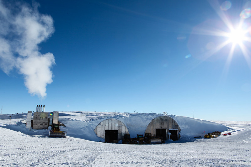 2012-11-18 South Pole Power Plant