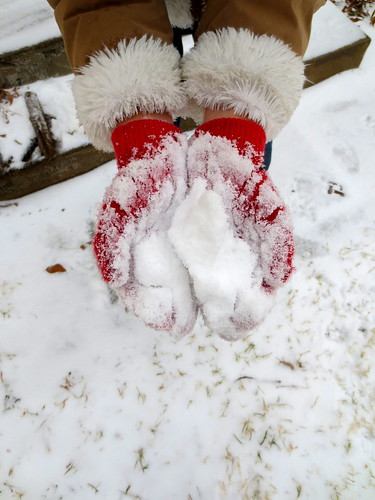 Elle's first snowball