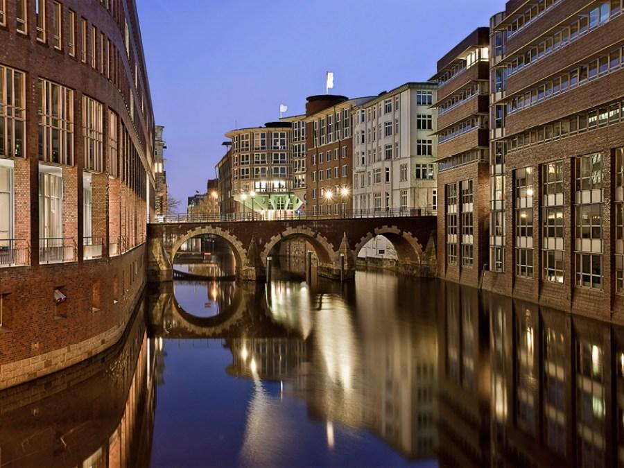 9 Bruggen in Hamburg, Ellerntorbrücke, foto door Tim A. Bruening | Standort Hamburg