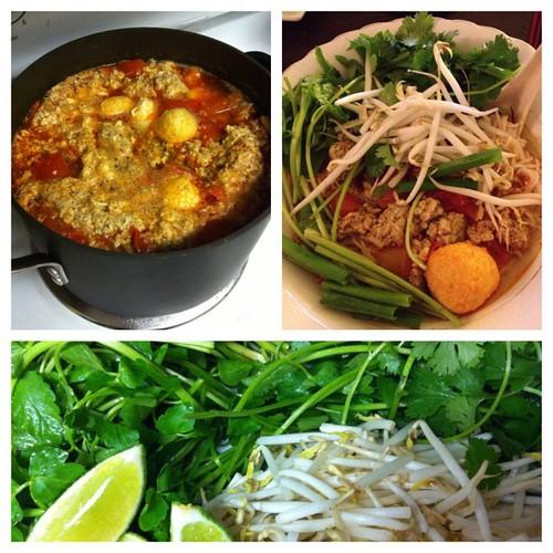 Bun Rieu Cua Vietnamese crab noodle soup