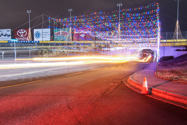 Lowes motor speedway christmas lights for Holiday light spectacular atlanta motor speedway