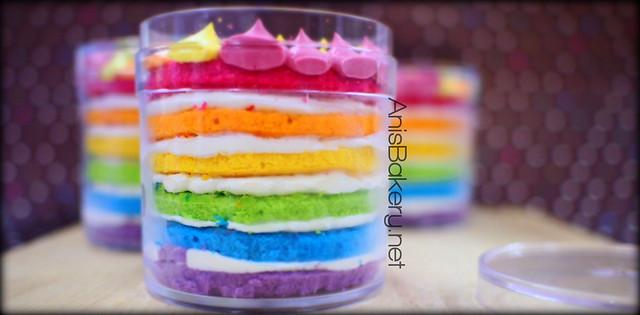 Doorgift | Mini Rainbow Cake by #anisbakery