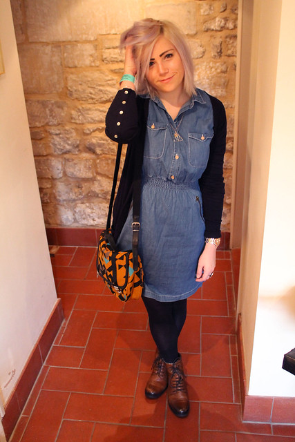 Outfit post denim dress