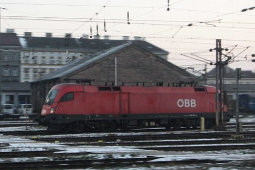 ÖBB Class 1116 electric locomotive stabled in the yard
