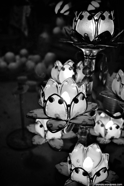 Lotus lamp at the Tin Hau Temple