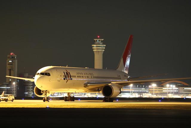 JAL B767-300ER(JA620J)