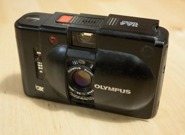 Olympus XA4