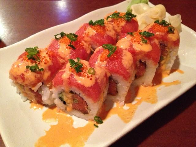 Super spicy tuna roll - Sushi Delight