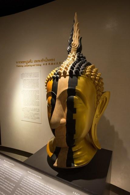 三樓的常駐展覽,當年如何把「泥佛」迎請過來,最後又意外變成「金佛」的故事