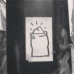 başbakanın ampulü yanıyor #brussels #streetart #sticker #bw