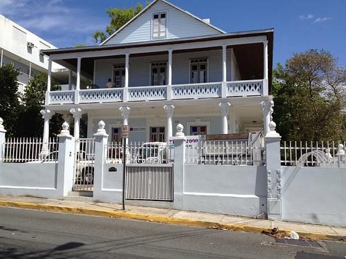 Casa/Edificio Histórico by Charmaine Vazquez