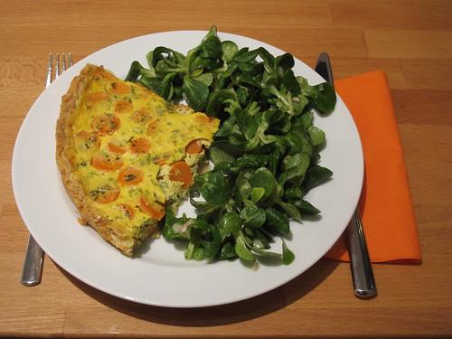 Möhrentarte mit Feldsalat