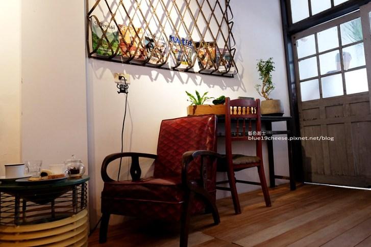 29485411361 c82f20709e c - 民生咖啡People&Life.Cafe-復古氛圍老屋咖啡館.加入許多老傢私元素.展區牆.餅乾吐司咖啡香.近向上國中
