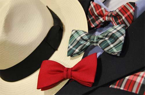 Lazos y Pañuelos de Bolsillo en Sombrerería Albiñana