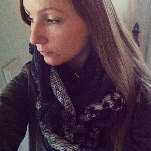 In love with a #scarf @lxndrkrchnr ❤