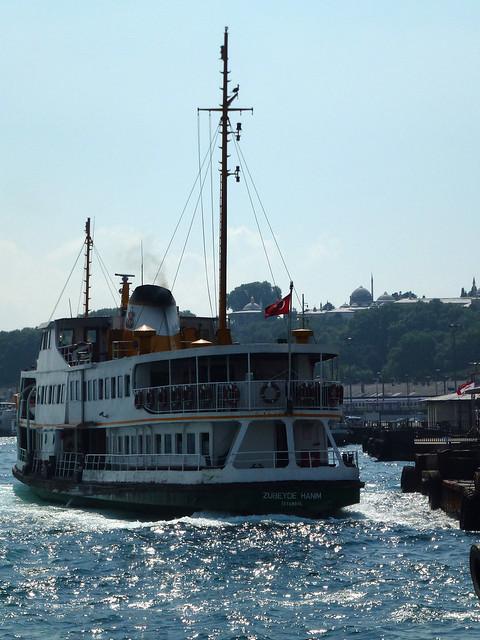Turquie - jour 4 - Istanbul - 04 - Sur le Bosphore