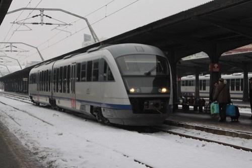 CFR Class 96 (Desiro) DMU arrives at Gara de Nord station