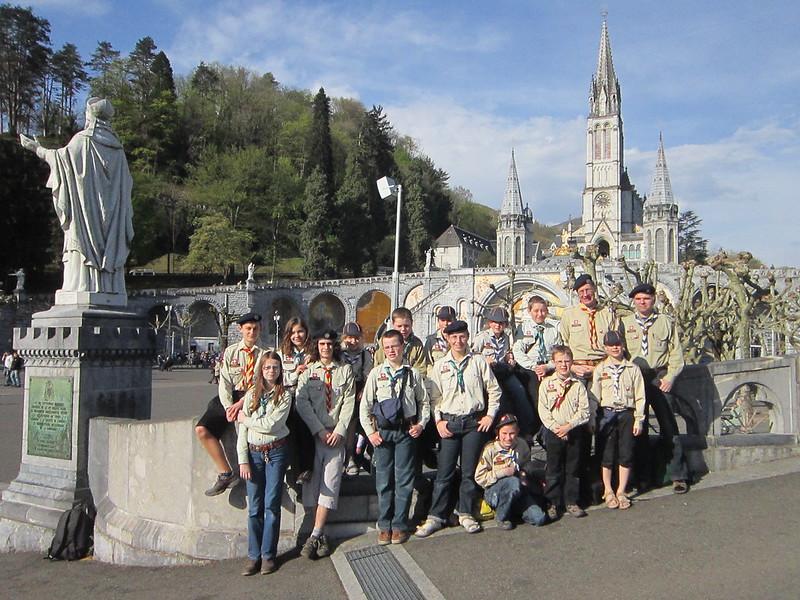 Feuerkreis-Wölfe in Lourdes