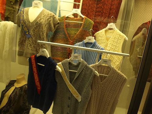 sleeveless garment, 4ply or over