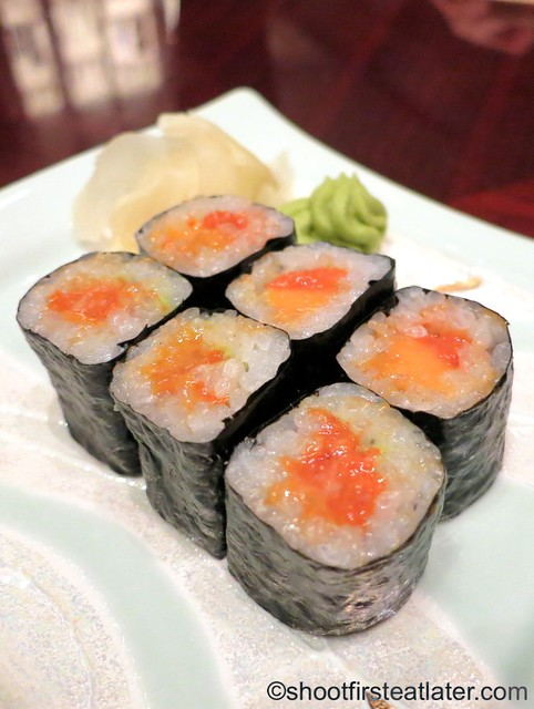 sea urchin roll MOP$280