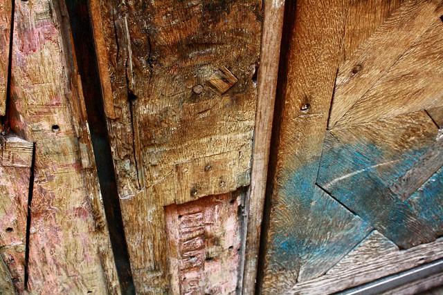 old wood door marais paris
