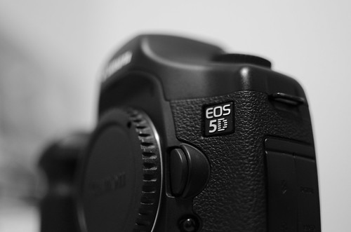 EOS 5D Badge