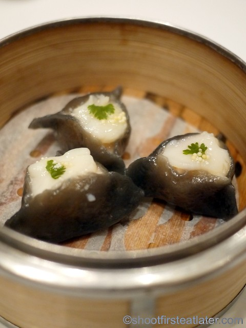 Red Lantern @ Solaire- squid ink dumplings with scallops