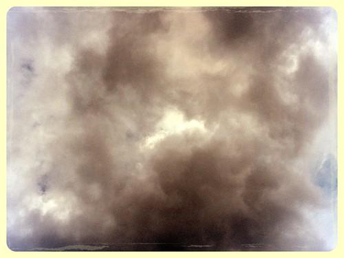 OVNI by Charmaine Vazquez