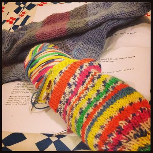 Calzino mania #yarn #sock #lavoroamaglia #knit @woolcrossing @federicagiudice