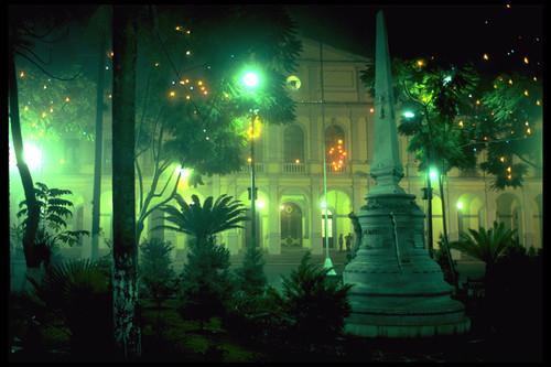 the zocalo in Veracruz at night