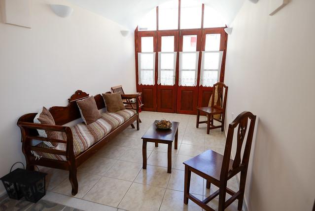 【二樓交誼廳】San Giorgio Villas in Fira, Santorini, Greece.