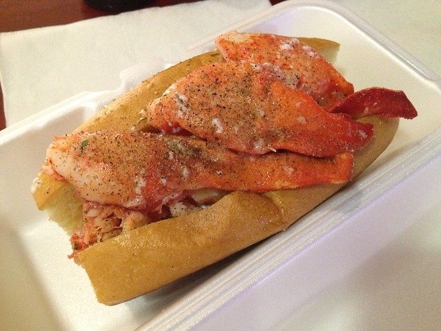 The original Maine Style lobster roll - Lobster ME