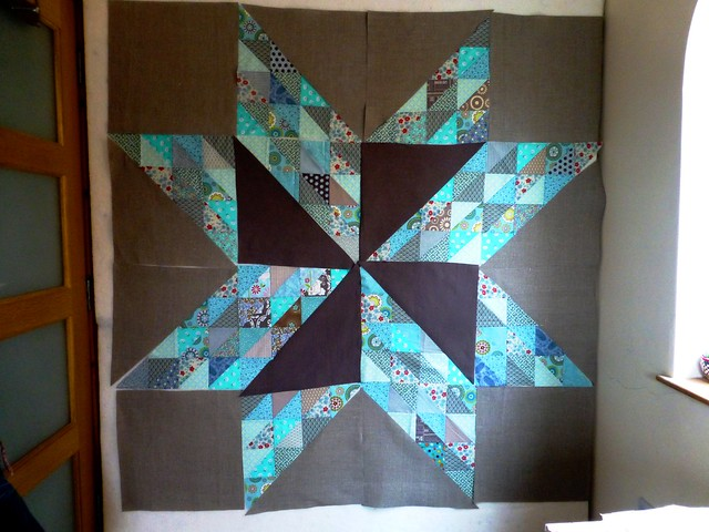 Brit Bee '13 star wallhanging 001