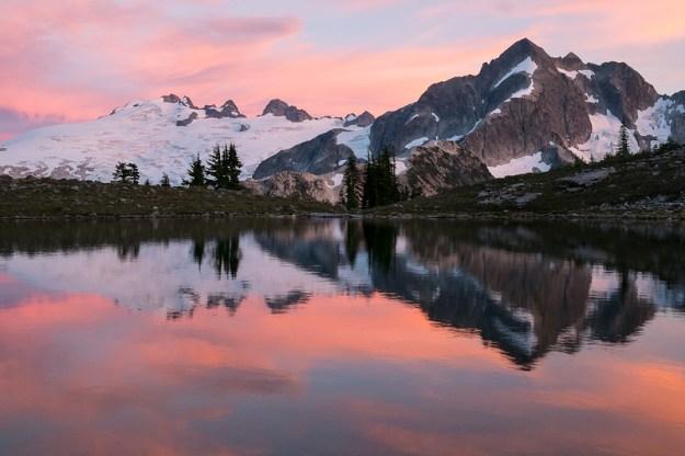 Pink streaks. Tapto Lakes