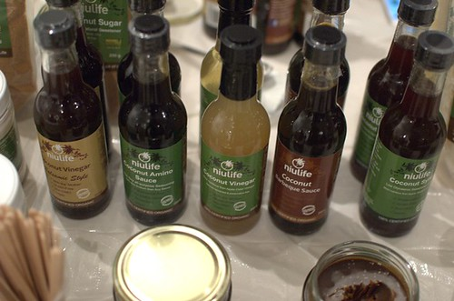 Coconut sauces and vinegars