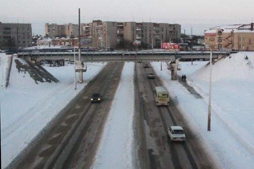 Crossing over a road in the Russian city of Таганрог (Taganrog)