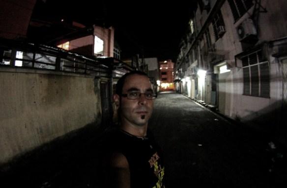En un callejón de Malasia...