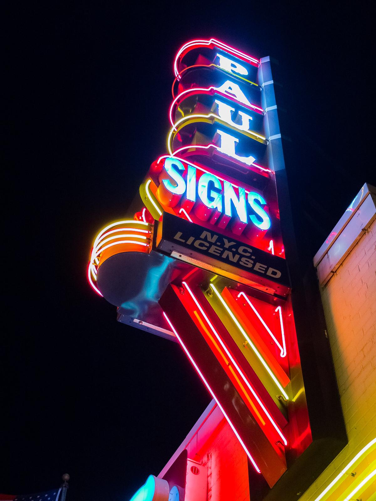 Paul Signs by wwward0