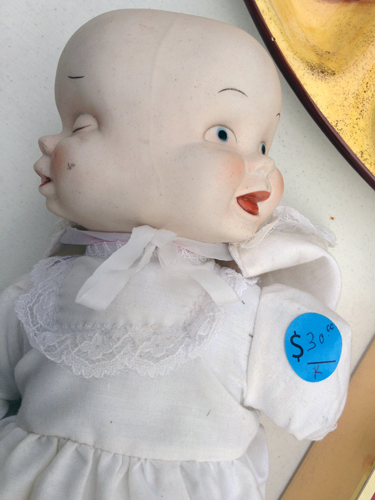 Two faces of this creepy doll