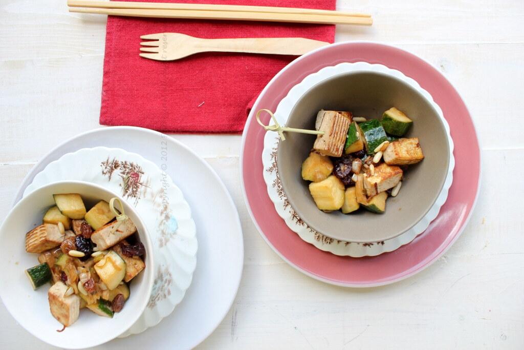 Zucchine e tofu con salsa di soia e zenzero uvetta e pinoli