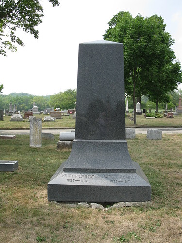 Tombstone of Henry Hildabolt and his wife Sarah, Germantown Cemetery