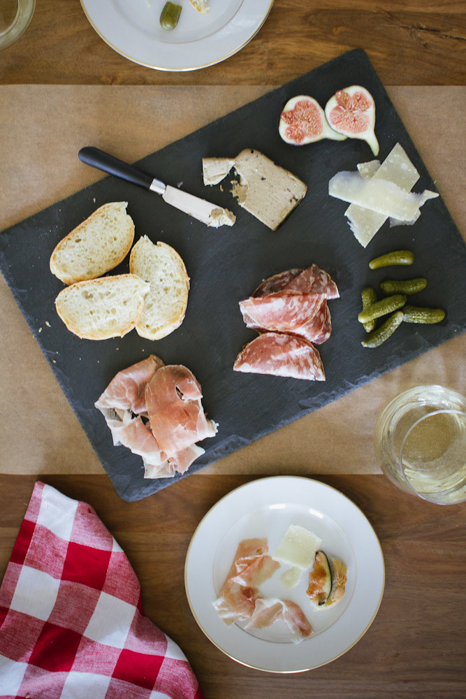 How To Put Together a Charcuterie Plate