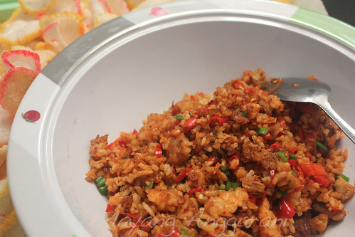 When angry, I made this hellish fried rice with assorted chilies