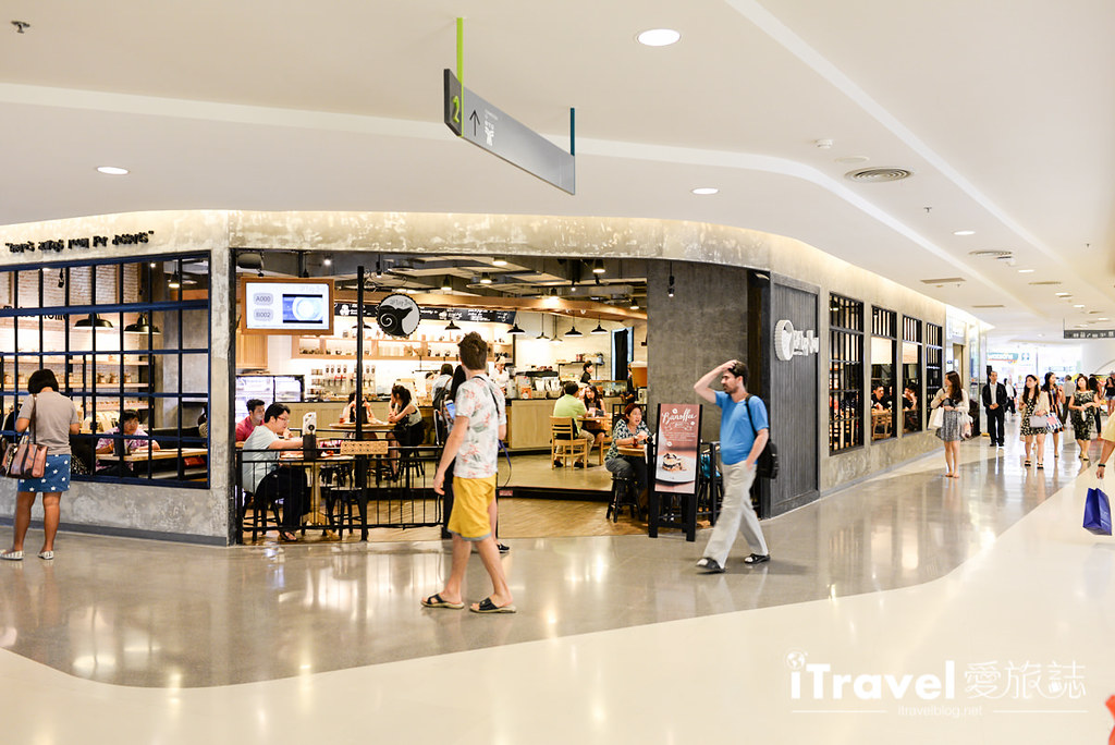 《曼谷购物中心》Silom Complex:捷运站旁在地生活商场