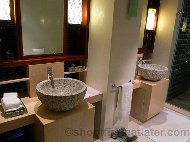 Shangri-La's Boracay Resort & Spa- seaview suite-008