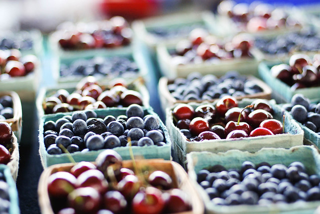 dallas farmers market : berries