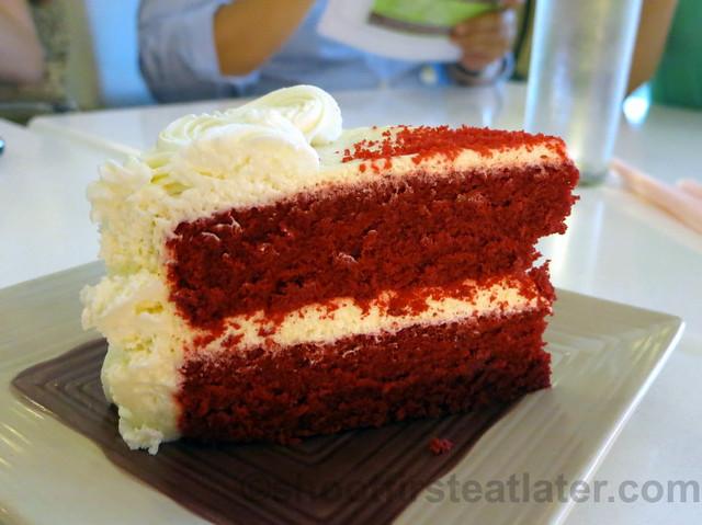 red velvet cake P240
