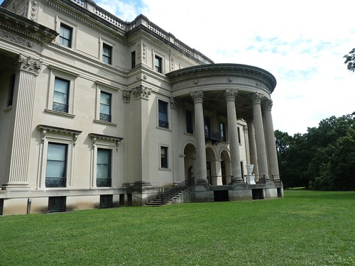 Rear facade, Vanderbilt Mansion.